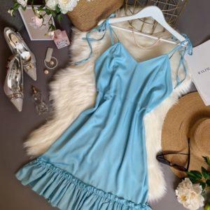 Заказать голубое женское платье из штапеля на бретельках по скидке