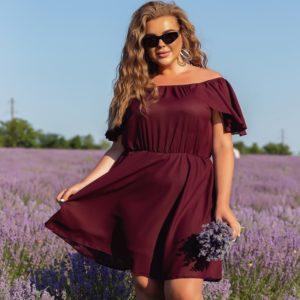 Купить онлайн бордо платье мини с открытыми плечами (размер 46-56) для женщин