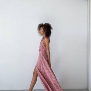 придбати довге вечірнє плаття з розрізом на нозі і відкритою спиною з колекції одягу літо 2021 за найкращою ціною