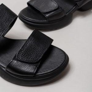 приобрести кожаные босоножки на липучках в черном цвете по лучшей цене в интернет магазине