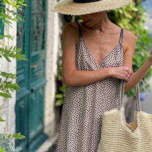 легкий бежевый сарафан с длинной юбкой по выгодной стоимости онлайн