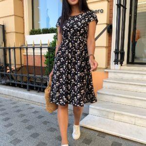 купить женское платье черного цвета с цветочным принтом по лучшей цене в онлайн магазинах
