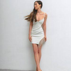 купить вечернее платье мини молочного цвета на бретелях по лучшей цене в магазинах
