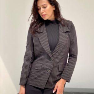 Купить в интернете женский блейзер в полоску черного цвета