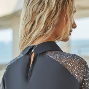 Купить по низким ценам черный брючный костюм с напылением (размер 42-48) для женщин