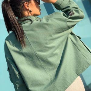 Заказать по скидке хаки короткую куртку из денима для женщин