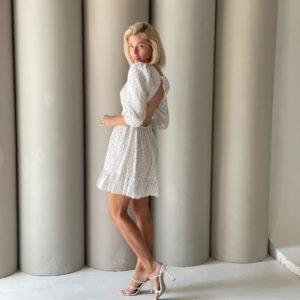 Замовити онлайн біле плаття в горошок з відкритою спиною (розмір 42-48) жіноче