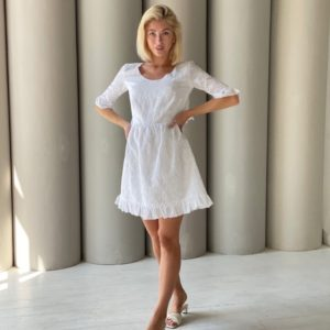 Заказать белое женское хлопковое платье с вышивкой и открытой спиной (размер 42-48) онлайн