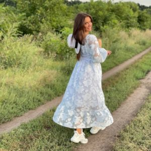 Заказать по скидке белое платье из органзы на подкладке (размер 42-52) для женщин