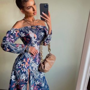 Заказать женское синее платье с открытыми плечами (размер 42-48) в интернете