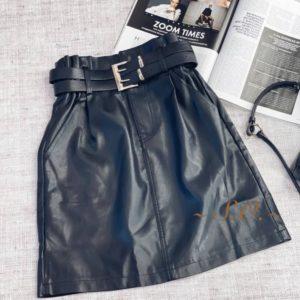 Заказать черную женскую кожаную юбку с двойным ремнем онлайн
