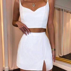 Заказать белый женский костюм с топом и мини юбкой в интернете