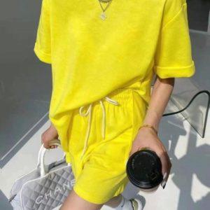Купити в інтернеті жіночий прогулянковий костюм з шортами (розмір 42-48) жовтого кольору