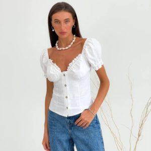 Купить молочного цвета блузку на пуговицах с декольте женскую в Украине