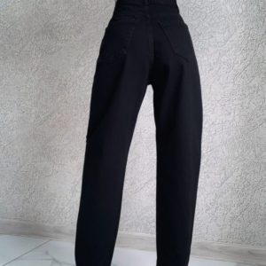 Заказать по скидке черные джинсы слоучи женские
