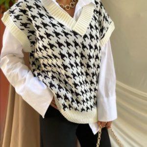 Купити білу жіночу жилетку оверсайз в гусячу лапку онлайн