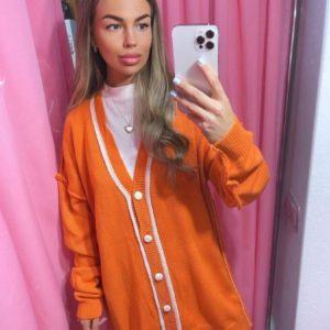 Купити помаранчевий яскравий кардиган на ґудзиках жіночий дешево