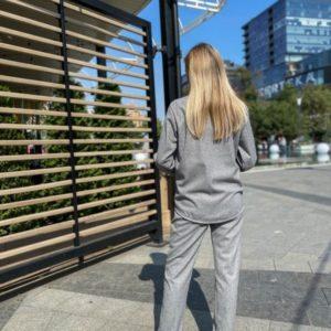 Купить по скидке серый кашемировый костюм с рубашкой для женщин