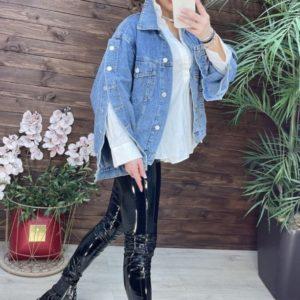 Купить по скидке джинсовую куртку с рукавами на пуговицах женскую голубую