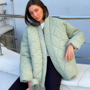 Приобрести оливковую женскую стёганную куртку на запах (размер 42-52) по низким ценам