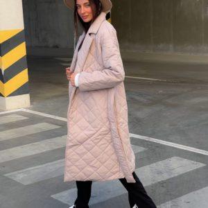 Купить бежевое женское стёганное пальто с поясом (размер 42-52) онлайн
