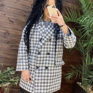 Купити зі знижкою сіре двубортное пальто в клітку з твіду для жінок