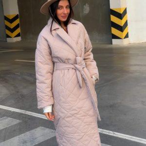 Купить по низким ценам женское стёганное пальто с поясом (размер 42-52) беж