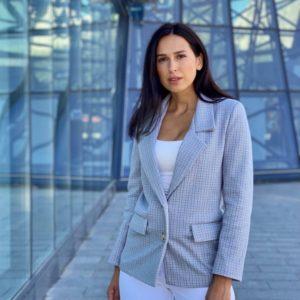 Купити сірий піджак з пальтової тканини для жінок по знижці