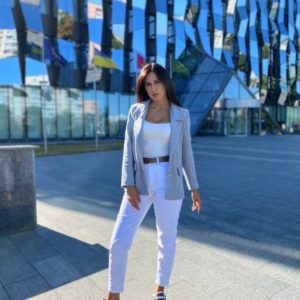 Придбати недорого сірий піджак з пальтової тканини для жінок