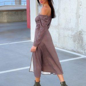 Купить по скидке женское принтованное платье с разрезом (размер 42-52) цвета марсала
