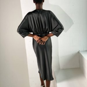 Заказать в интернете черное шелковое платье с рукавом 3/4 женское