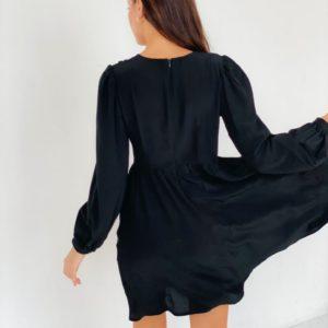 Приобрести выгодно черное платье из матового шелка для женщин
