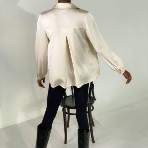 Купить бежевую женскую свободную шелковую рубашку (размер 42-48) онлайн