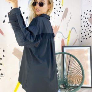 Заказать онлайн черную рубашку оверсайз с рюшами из фатина (размер 42-52) для женщин