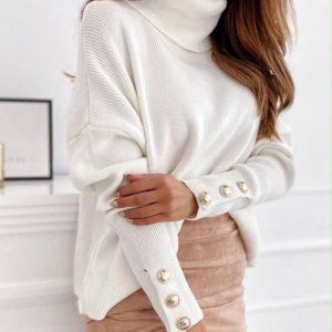 Заказать белый женский свитер с хомутом недорого