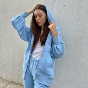 Приобрести недорого голубой спортивный костюм с кофтой на змейке (размер 42-48) для женщин