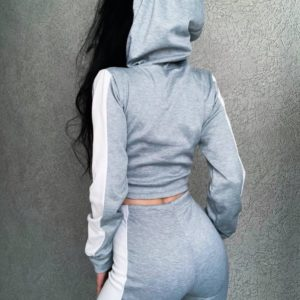 Заказать выгодно серый спортивный костюм с широкими лампасами для женщин