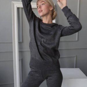 замовити осінній жіночий костюм з штанами до кофтою з довгим рукавом графітового кольору по знижці від Unimarket