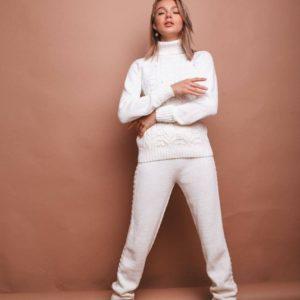 ціліснов'язаній безшовний жіночий облягаючий костюм з штанами з осінньої колекції магазину Unimarket