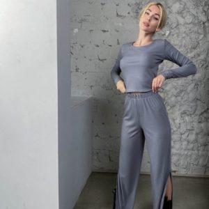 Приобрести выгодно женские трикотажные штаны с разрезами (размер 42-56) серого цвета