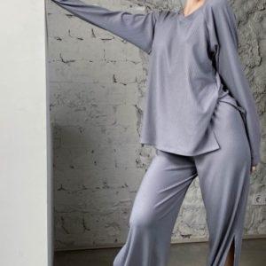 Заказать по скидке женские трикотажные штаны с разрезами (размер 42-56) серого цвета