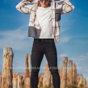 Заказать в интернете черные мужские джинсы скинни с пуговицами
