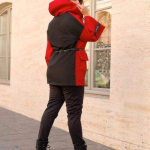 Купить по скидке красную, черную куртку двухцветную с флисом (размер 48-70) для женщин