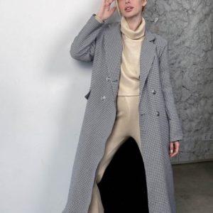 Замовити чорно-біле жіноче утеплене пальто в клітку (розмір 42-58) вигідно