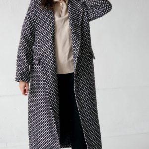 Купити чорно-біле жіноче утеплене пальто оверсайз (розмір 42-58) по знижці