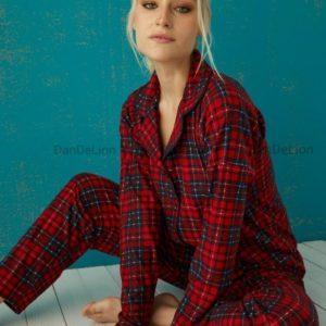 Заказать красного цвета женскую пижаму в клетку (размер 42-50) дешево