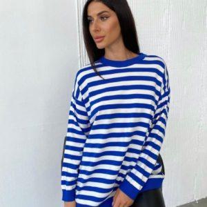 Заказать синий женский полосатый свитер оверсайз (размер 42-48) онлайн