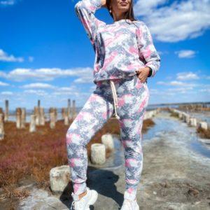 Заказать выгодно розовые женские зауженные штаны с принтом (размер 42-56)