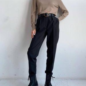 Купить выгодно черные брюки со стрелкой для женщин