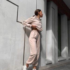 Купити пудра жіночий однотонний спортивний костюм з капюшоном в Україні